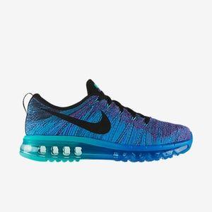 Nike flyknit blue sneakers